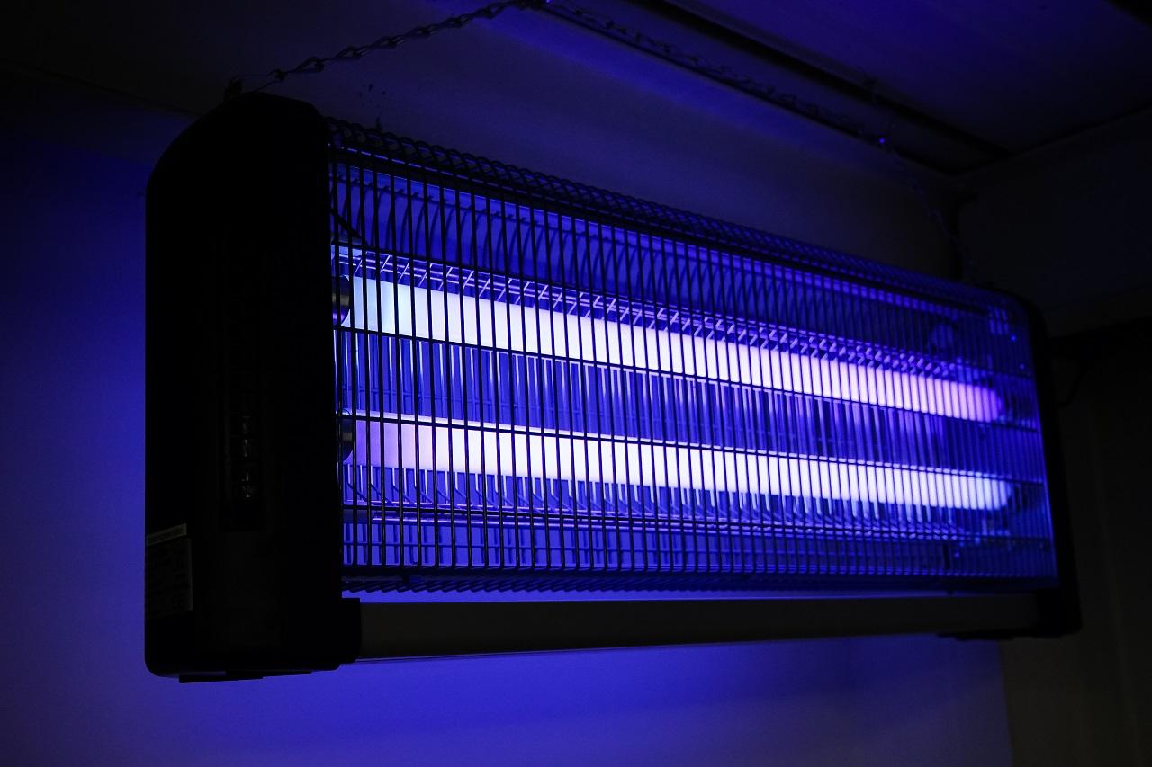 UV lamps testing spectroradiometer UV VIS NIR testowanie lamp UV spektroradiometr