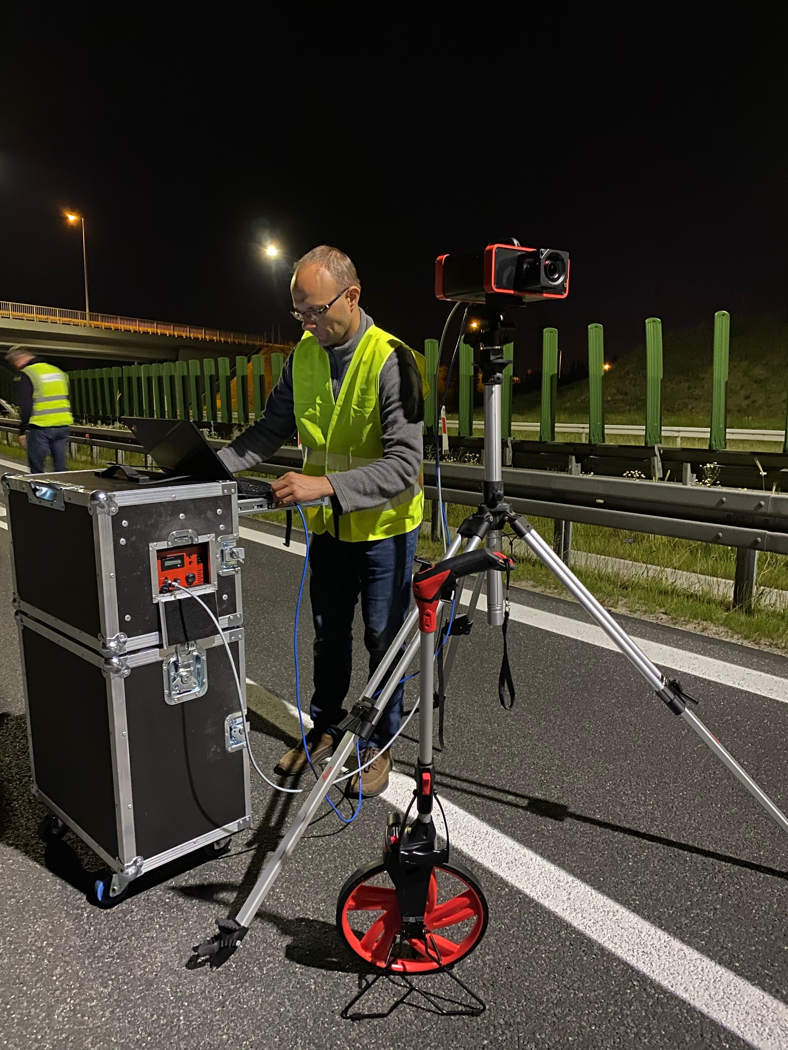 GL Opticam luminance measurement road lighting First fully adapted system for road lighting measurements